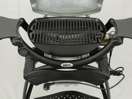 weber elektrogrill q 1400 stand kleinster mobiler gasgrill. Black Bedroom Furniture Sets. Home Design Ideas